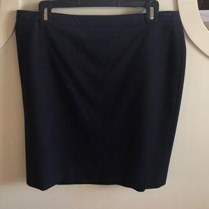 Ann Taylor Loft Navy Suiting skirt sz 12.